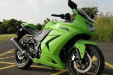 Kawasaki Ninja 300 launched in India at Rs 3.50Lakh