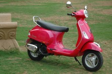 Piaggio launches the new Vespa VX 125 in India