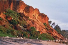 Varkala Cliff to be protected from illegal constructions